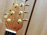 ギターの弦を切らずに張り替える方法