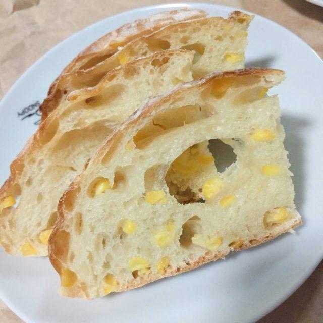 コーン カンパーニュ パン